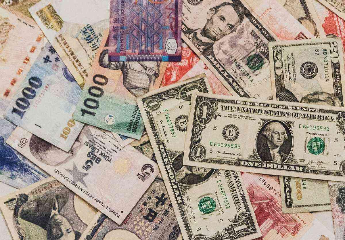 婚活に立ちはだかる年収400万円の壁。されど年収は盛りすぎない